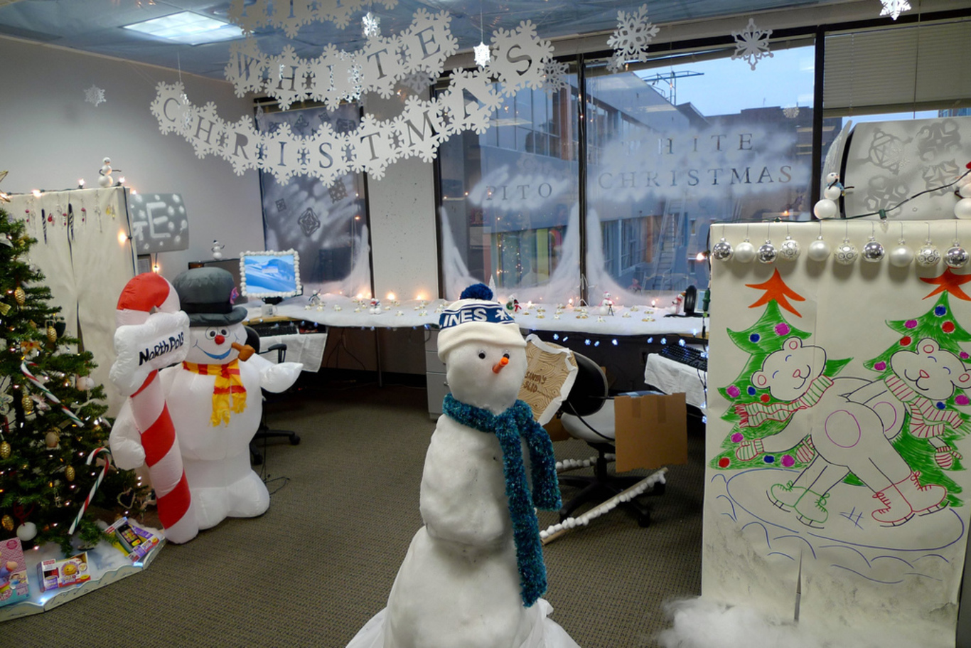 Call center cubicle christmas design ideas outbounders tv for Cubicle decoration xmas